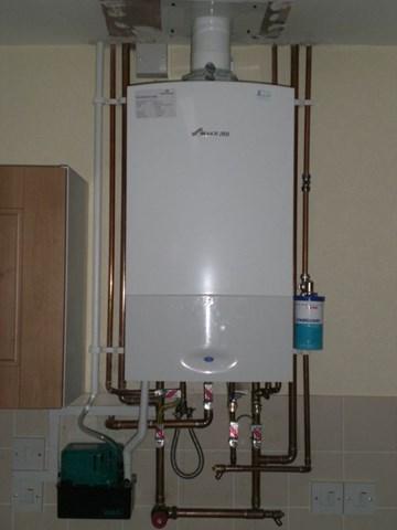 Berühmt Gas Warmwasserboiler Ideen - Elektrische ...