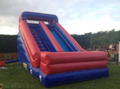 Inflatable obstacle course games and inflatable super slides for hire south Dublin.