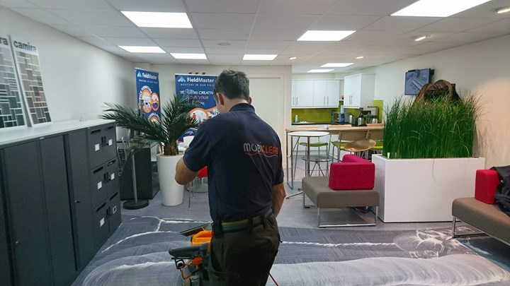 Commercial carpet cleaner in Waterford