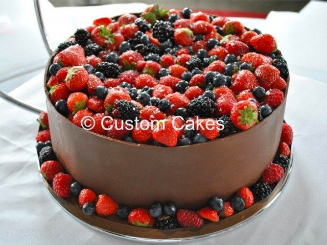 Chocolate fruit wrap